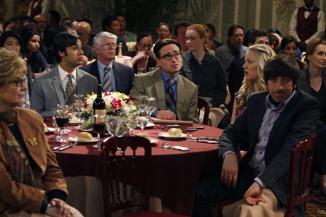 Sheldon hat den diesjährigen Wissenschaftspreis gewonnen. Als er jedoch erfährt, dass er auf dem Bankett eine Rede halten soll, bekommt er schreck... - Bildquelle: Warner Bros. Television
