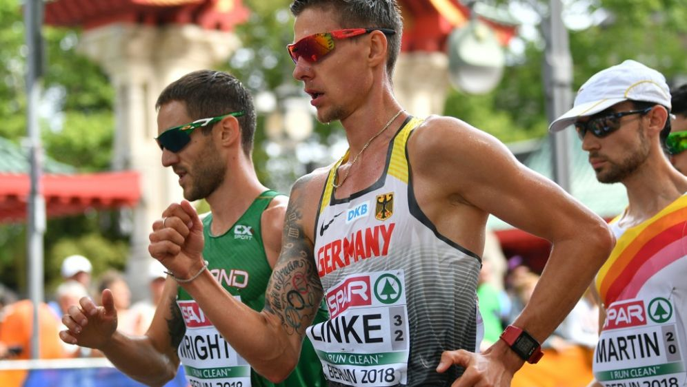Christopher Linke (Mitte) hat die Medaille klar verpasst - Bildquelle: AFPSIDANDREJ ISAKOVIC