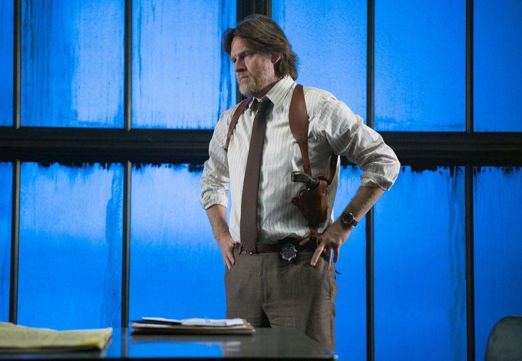 Muss herausfinden, ob es in der Polizei von Gotham eine Maulwurf gibt: Bullock (Donal Logue) ... - Bildquelle: Warner Bros. Entertainment, Inc.