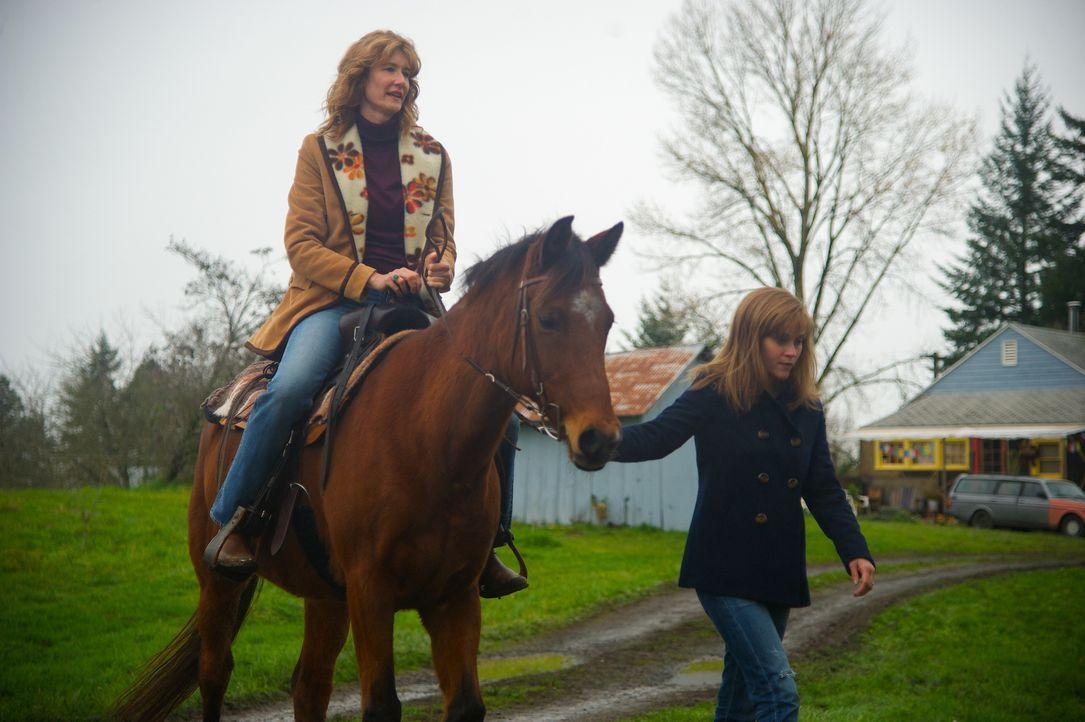 Die Beziehung zwischen Cheryl (Reese Witherspoon, r.) und ihrer Mutter Bobbi (Laura Dern, l.) war immer eng. Als diese dann an ihrem Krebsleiden sti... - Bildquelle: 2014 Twentieth Century Fox Film Corporation.  All rights reserved.