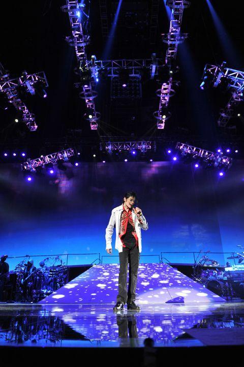 Michael Jacksons THIS IS IT hält den Sänger, Tänzer, Filmemacher, das kreative Genie und den großartigen Künstler bei seiner Arbeit in  ungestellten... - Bildquelle: 2009 The Michael Jackson Company, LLC. All Rights Reserved.