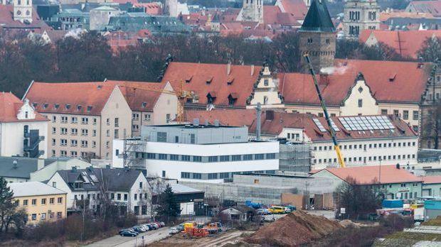 Fliegerbombe_Regensburg_Gefaengnis
