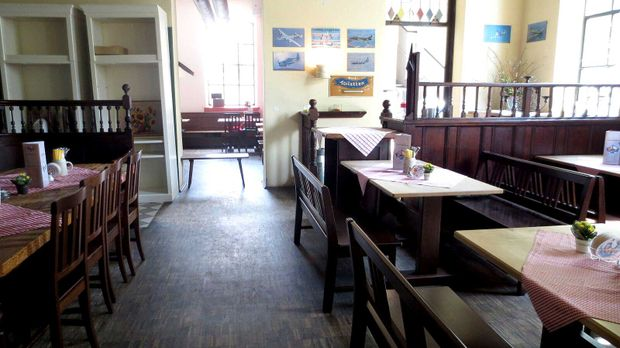 fliegerbr u in feldkirchen mein lokal dein lokal. Black Bedroom Furniture Sets. Home Design Ideas