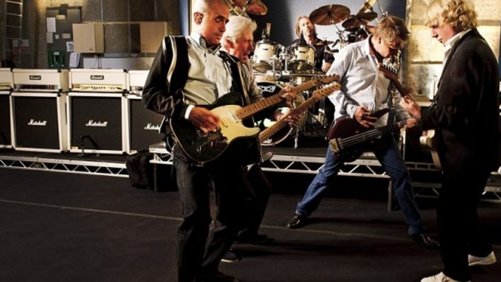 Status Quo: Rockin' all over the world!