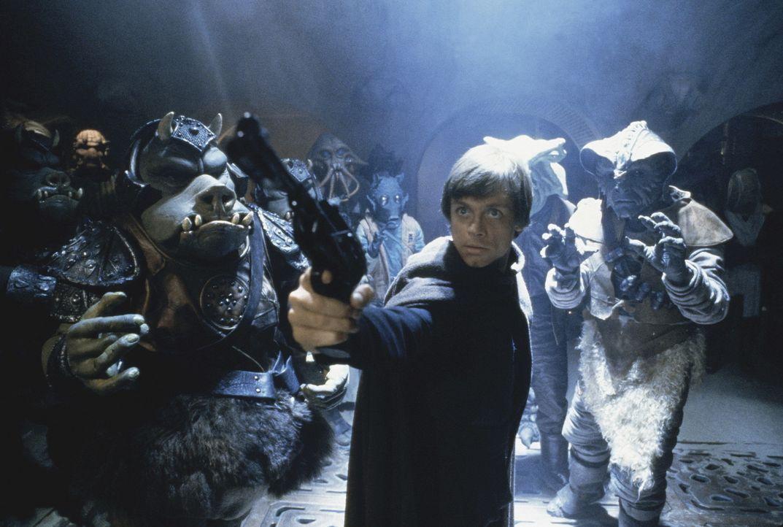 Um seinen Freund Han Solo zu retten, dringt Luke Skywalker (Mark Hamill, M.) bei Jabba the Hutt ein ... - Bildquelle: Lucasfilm LTD. & TM. All Rights Reserved.