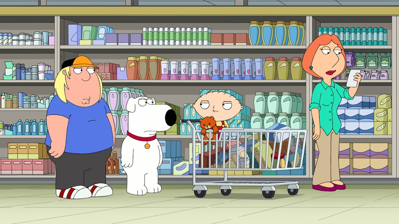 Als Stewie (2.v.r.) von Lois (r.), Chris (l.) und Brian (2.v.l.) zum Einkaufen mitgenommen wird, hält ihn im Supermarkt eine Dame für ein kleines Mä... - Bildquelle: 2016-2017 Fox and its related entities.  All rights reserved.