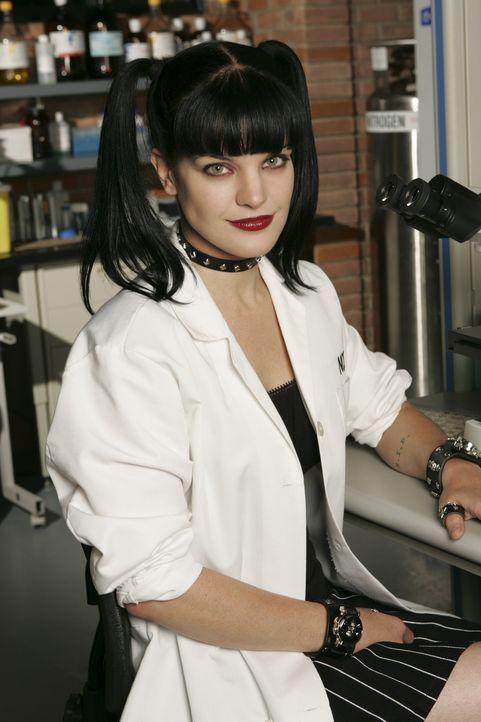 (2. Staffel) - Forensikerin des Teams: Abby  Sciuto (Pauley Perrette) ... - Bildquelle: CBS Television