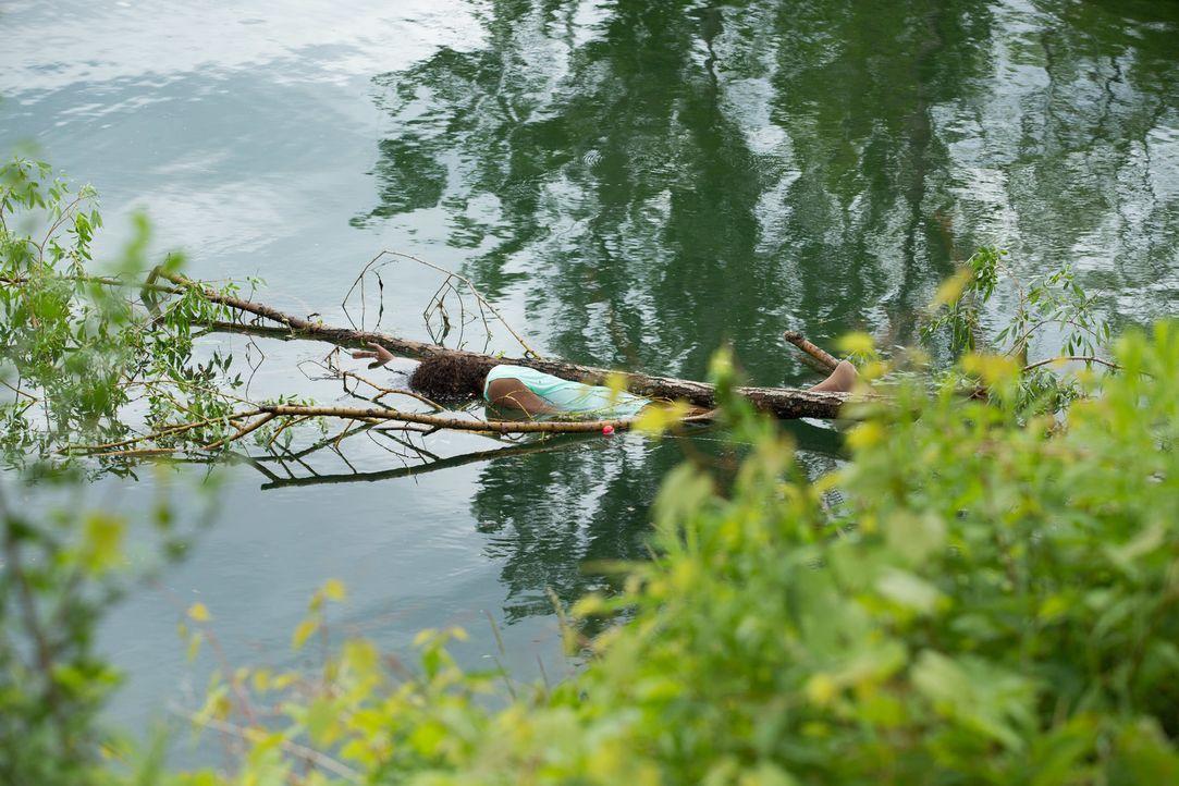 Die Leiche am See: Rhonda Ransom Lee wurde vergewaltigt, ermordet und in den See geworfen. Wer ist der kaltblütige Möder der dreifachen, alleinerzie... - Bildquelle: Darren Goldstein Cineflix 2014