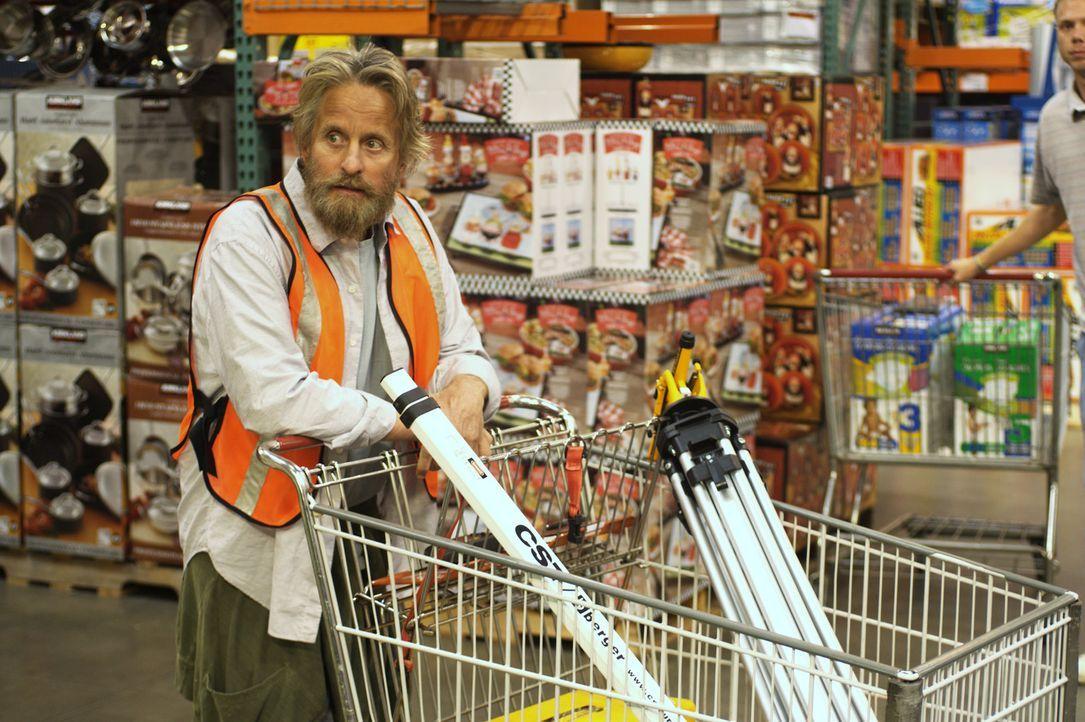 Nachdem sämtliche Recherchen auf den Ort deuten, wo der Goldschatz liegen muss, gibt's für Charlie (Michael Douglas) kein Halten mehr - auch wenn... - Bildquelle: Nu Image