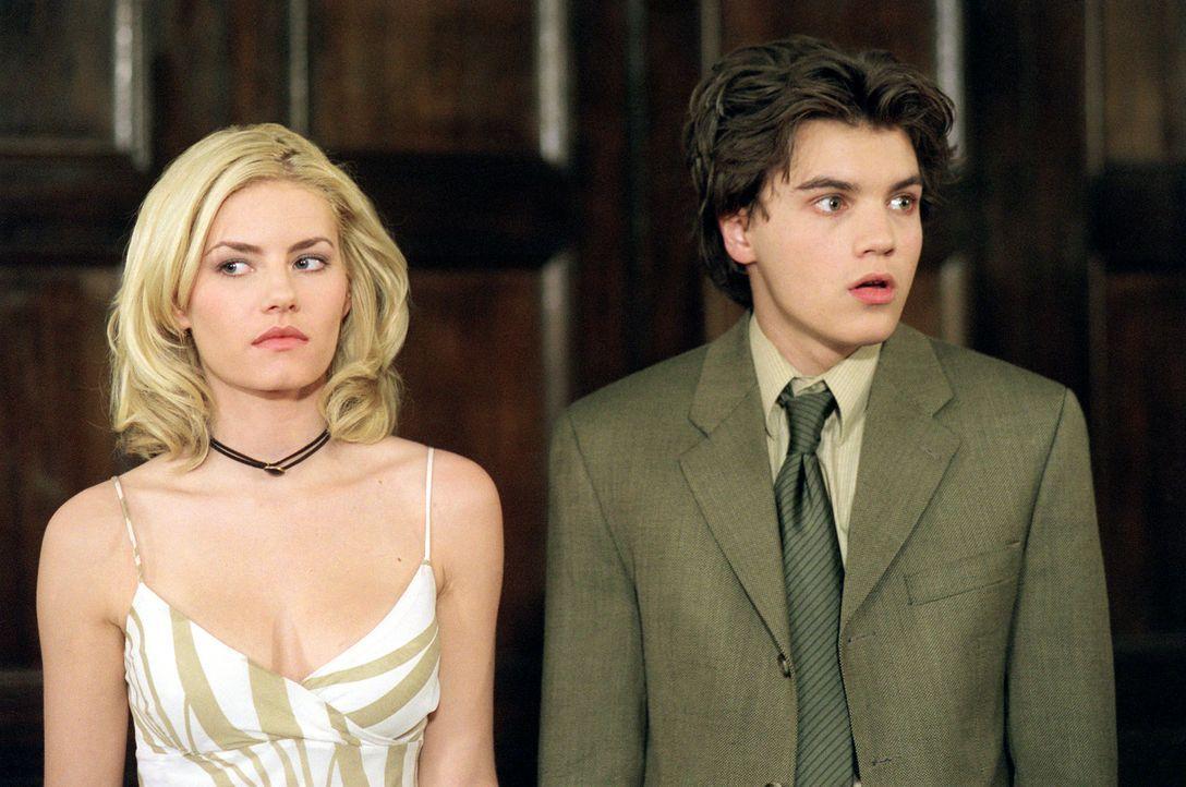 Matthew Kidman (Emiel Hirsch, r.) ist der Überflieger seiner Schule und der Stolz seiner Eltern. Doch dann verliebt er sich in die hübsche und verme... - Bildquelle: 2004 by Epsilon Motion Pictures