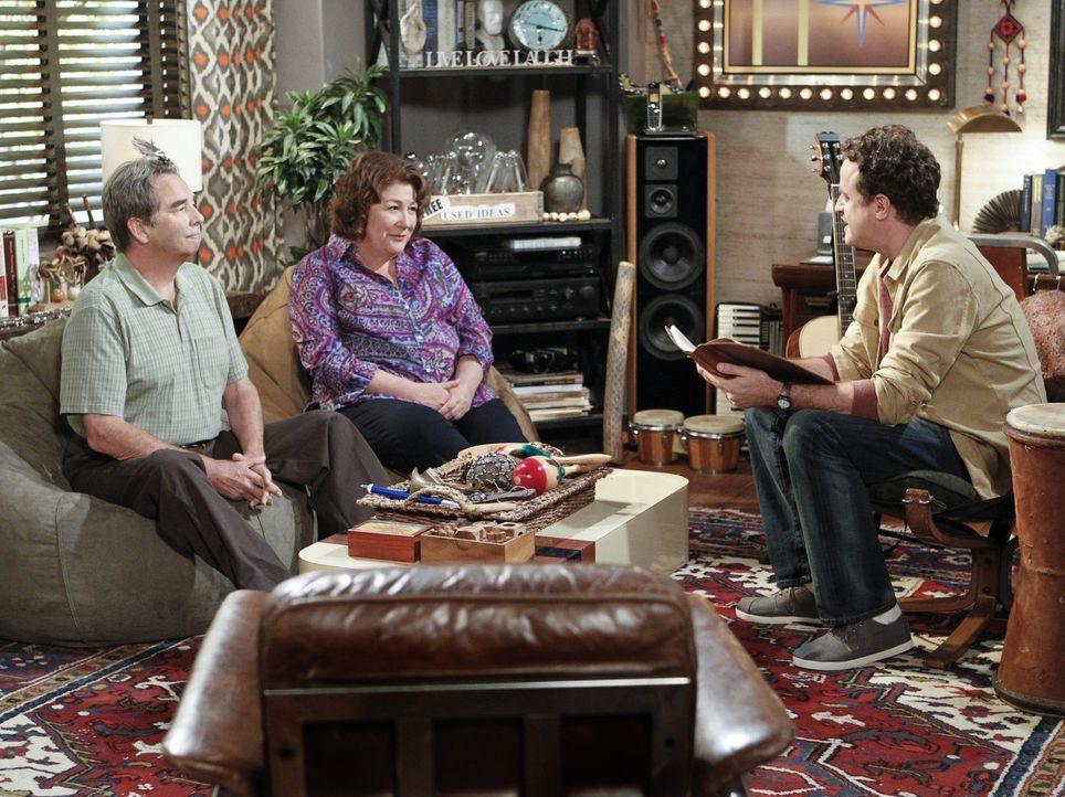 Es ist soweit: Carol (Margo Martindale, M.) und Tom (Beau Bridges, l.) besuchen Dr. Johnson (Matt Besser, r.), einen Psychotherapeuten. Ob sie ihrer... - Bildquelle: 2013 CBS Broadcasting, Inc. All Rights Reserved.
