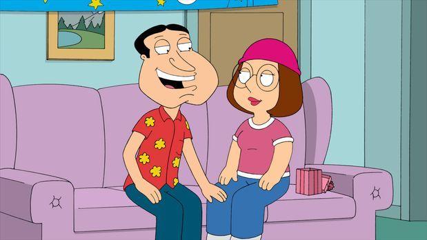 Family Guy - Als Meg (r.) endlich 18 wird, startet Quagmire (l.) eindeutige A...
