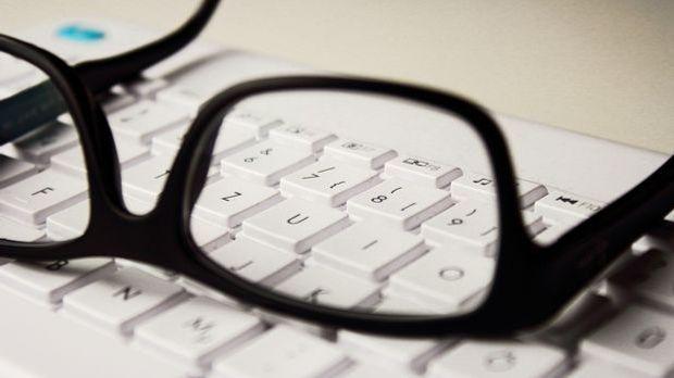 Brille Tastatur