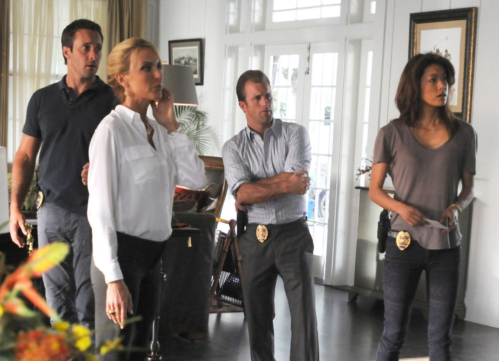 Das Team um Steve (Alex O'Loughlin, l.), Danny (Scott Caan, 2.v.r.) und Kono (Grace Park, r.) ermitteln im Mordfall eines Polospielers und stoßen d... - Bildquelle: 2012 CBS Broadcasting, Inc. All Rights Reserved.