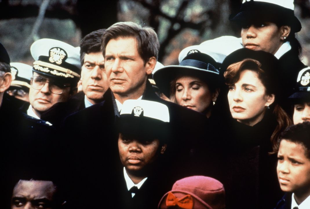 Der Industrielle Harding, ein enger Freund des US-Präsidenten, und seine Familie wurden vom Kali-Kartell brutal hingerichtet. CIA-Agent Jack Ryan (H... - Bildquelle: Paramount Pictures