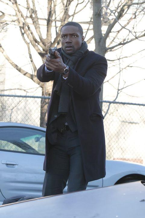Edgar Reade (Rob Brown) sucht den geheimnisvollen Mörder vom CIA Vizechef Carter - und wird fündig ... - Bildquelle: Warner Brothers