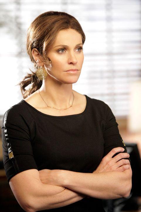 Wird von Katie wegen der Veröffentlichung ihres Buches verklagt: Violet (Amy Brenneman) ... - Bildquelle: ABC Studios