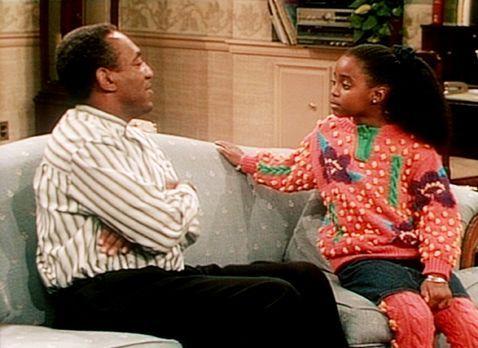 Bill Cosby Show - Rudy (Keshia Knight Pulliam, l.) ist sauer, dass sie in ihr...