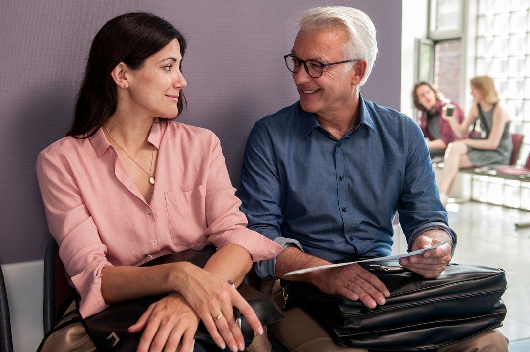 Sind Kathrin (Bettina Zimmermann, l.) und Volker Niebling (Christop M. Ohrt, r.) noch glücklich miteinander? - Bildquelle: Britta Krehl SAT.1/Britta Krehl