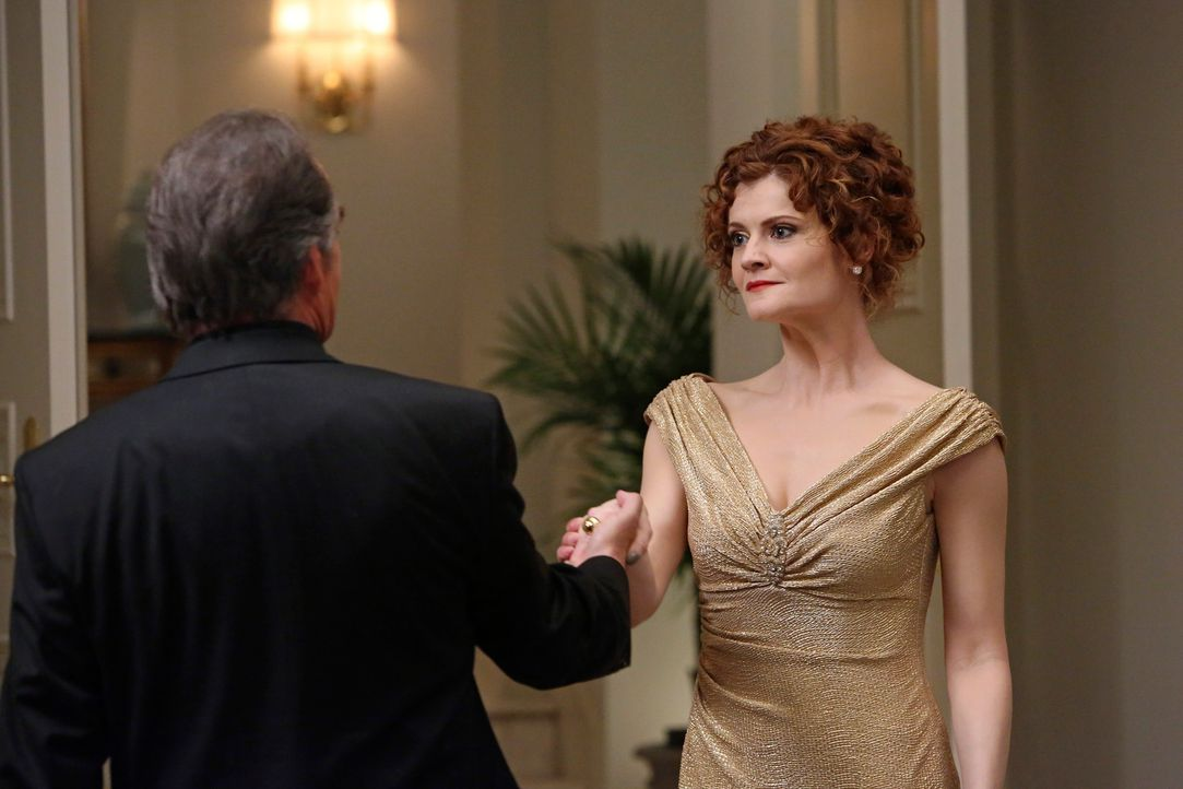 Glauben, in Phillipe den Mörder von Flora gefunden zu haben: Adrian (Tom Irwin, l.) und Evelyn (Rebecca Wisocky, r.) ... - Bildquelle: ABC Studios