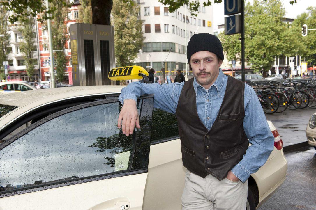 Klaas Heufer-Umlauf geht mit versteckter Kamera auf die Straße, um ahnungslose Kandidaten aufzuspüren. Seine Mission: In ein unverfänglichen Gesp... - Bildquelle: ProSieben