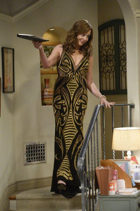 Während Christy mal wieder mit Liebesangelegenheiten zu kämpfen hat, hofft Bonnie (Allison Janney) auf eine Einladung zu einer Wohltätigkeitsgala ..... - Bildquelle: 2015 Warner Bros. Entertainment, Inc.