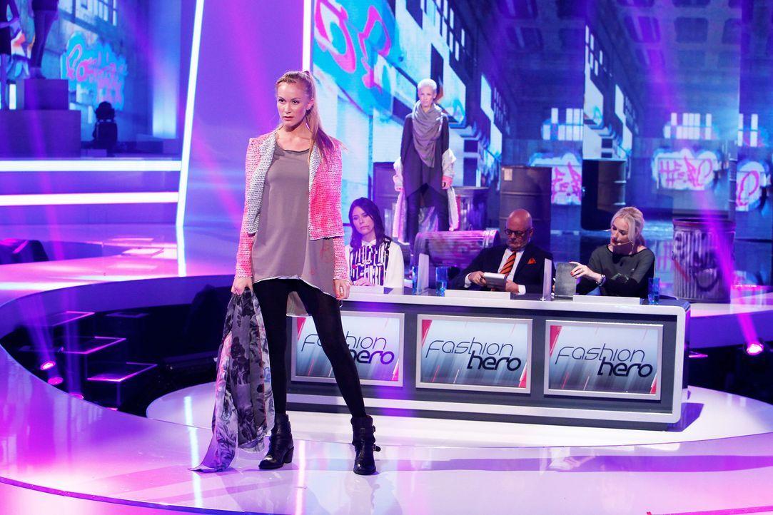 Fashion-Hero-Epi01-Gewinneroutfits-Henning-Christian-03-ProSieben-Richard-Huebner - Bildquelle: ProSieben / Richard Huebner
