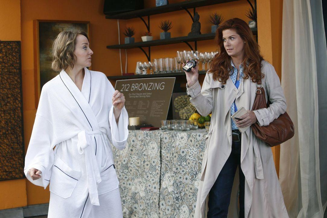 Als eine tote Frau in einem Party-Bus gefunden wird, setzt sich das Team um Laura (Debra Messing, r.) mit einem Schönheitsimperium auseinander. Doch... - Bildquelle: Warner Bros. Entertainment, Inc.