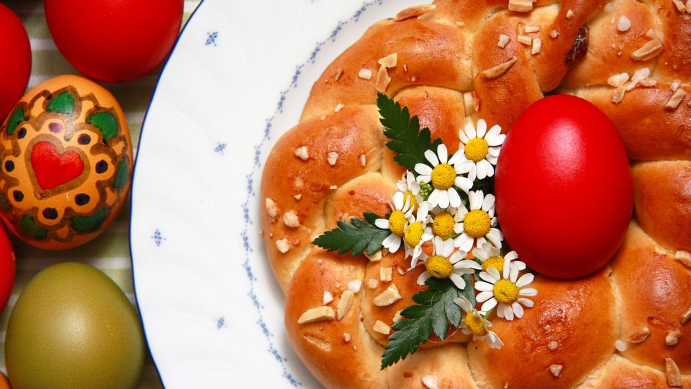 Osterkranz backen: Rezept und Tipps - Bildquelle: ChristArt - Fotolia