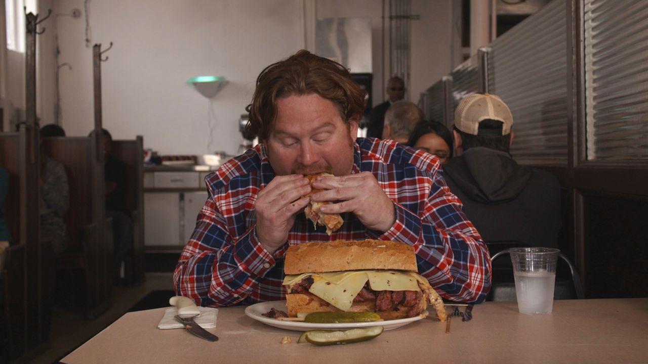 Hat Casey Webb überhaupt eine Chance gegen das gigantische Sandwich, gegen das er im großen Finale in Milwaukee antreten muss? - Bildquelle: 2017,The Travel Channel, L.L.C. All Rights Reserved.