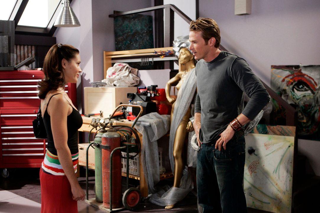 Ist überrascht, als er erfährt, wer Phoebe (Alyssa Milano, l.) wirklich ist: Dex (Jason Lewis, r.) ... - Bildquelle: Paramount Pictures