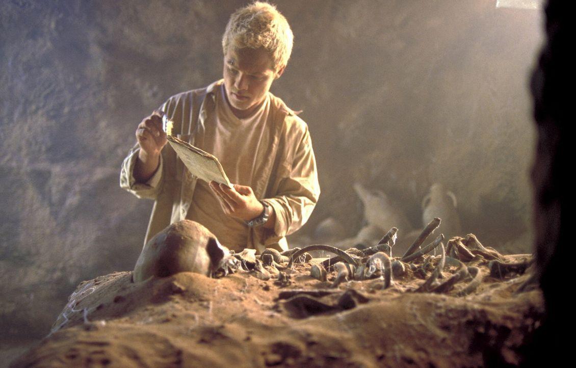 Der Archäologiestudent Steffen (Matthias Koeberlin) darf seinen Professor zu Ausgrabungen nach Israel begleiten. Dort entdeckt er in einem Grab ein... - Bildquelle: Gordon ProSieben