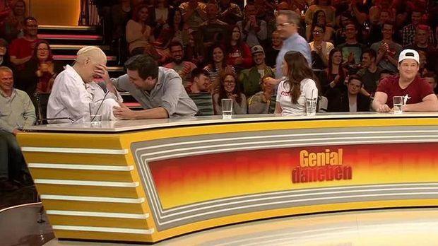 Genial Daneben - Die Comedy Arena - Genial Daneben - Die Comedy Arena -