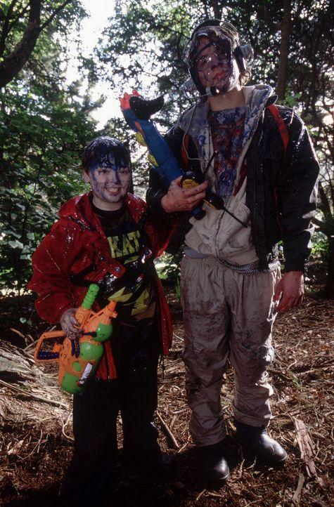 Als sein kleiner Bruder plötzlich spurlos verschwunden ist, fehlt er Alex (A.J. Trauth, r.) sehr. Da lernt er den kleinen Terrence (Spencer Breslin... - Bildquelle: The Disney Channel