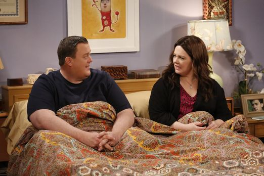 Mike & Molly - Mike (Billy Gardell, l.) und Molly (Melissa McCarthy, r.)...