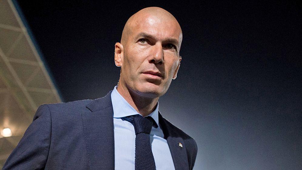 Gegen PSG muss Real liefern. Ein Champions-League-Aus könnte Trainer Zinedin... - Bildquelle: 2017 Getty Images