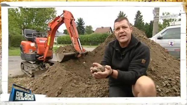 Gartenweg mit betonsteinpflaster selber bauen - Gartenweg bauen ...