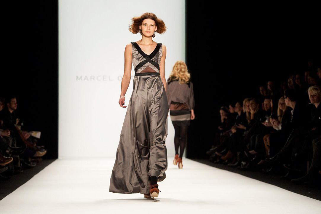 fashion-week-berlin-12-01-21-janina-delia-schmidt-dpajpg 1900 x 1267 - Bildquelle: dpa