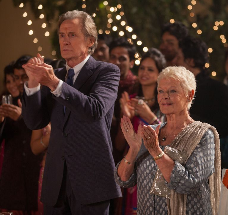 Versuchen immer wieder den Mut aufzubringen, sich ihre Liebe einzugestehen: Evelyn (Judi Dench, r.) und Douglas (Bill Nighy, l.) ... - Bildquelle: Laurie Sparham 2015 Twentieth Century Fox Film Corporation.  All rights reserved.