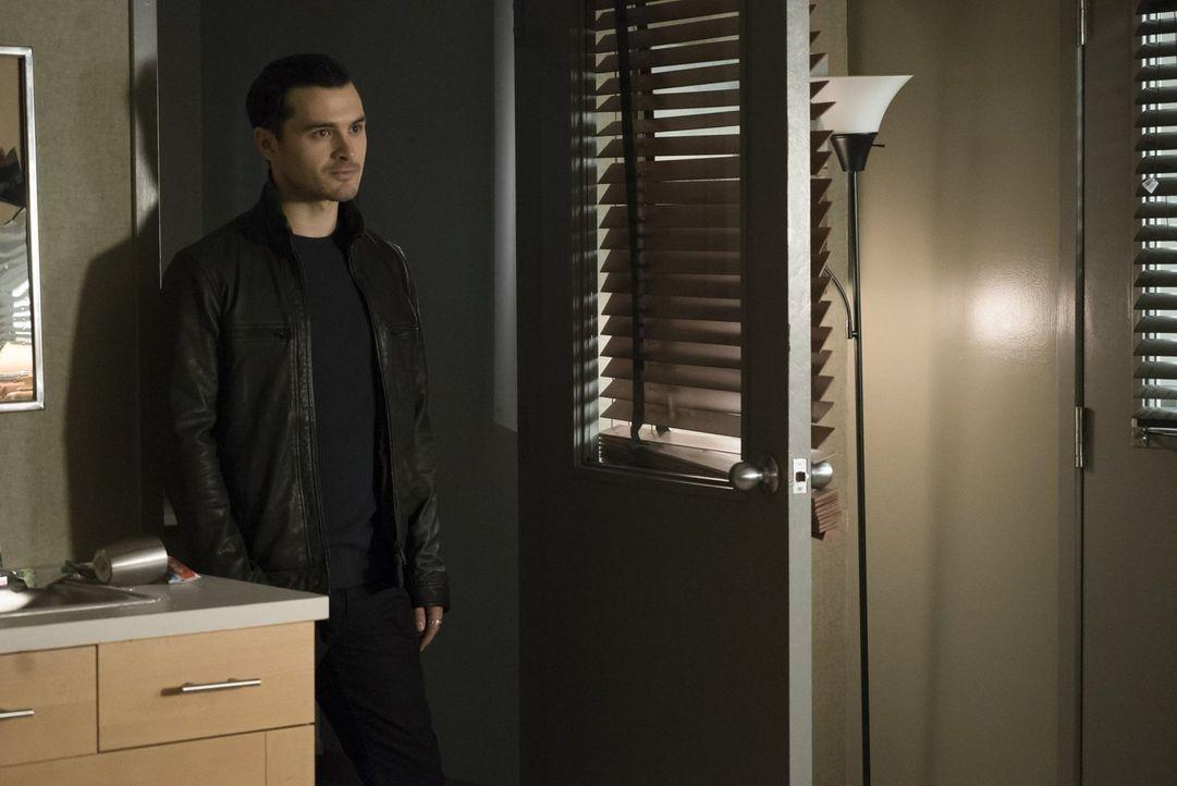 Fasst einen Plan, nachdem er verstörend Informationen über Rayna erhalten hat: Enzo (Michael Malarkey) ... - Bildquelle: Warner Bros. Entertainment, Inc.