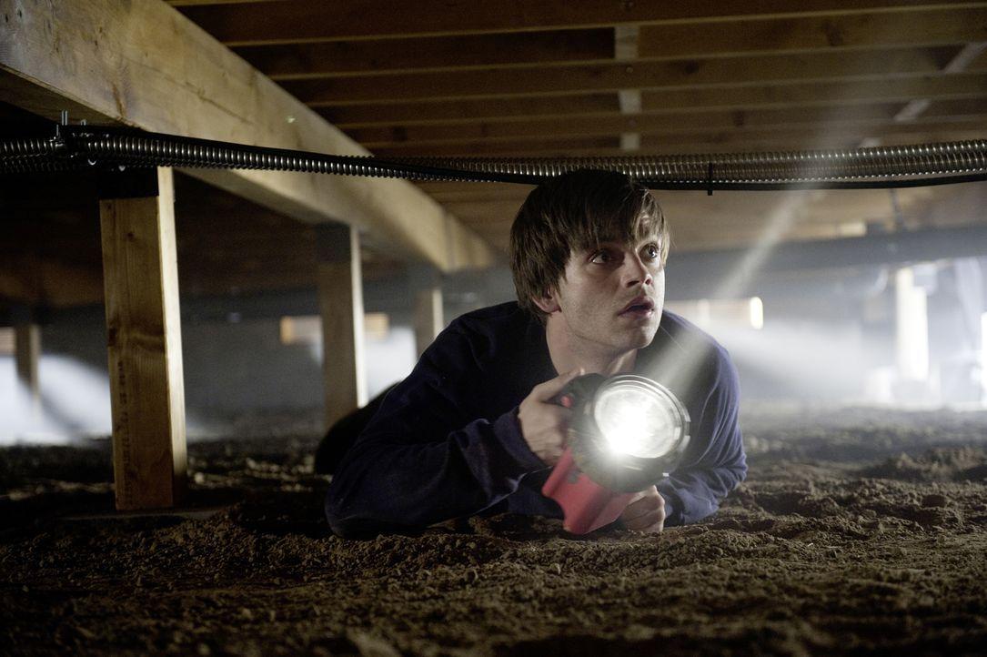 Auslöser ist ein parapsychologisches Experiment an einem College, das Ergebnis ein bitterböser Geist aus einer anderen Welt: Ben (Sebastian Stan) fü... - Bildquelle: 2012 Dark Castle Holdings, LLC.