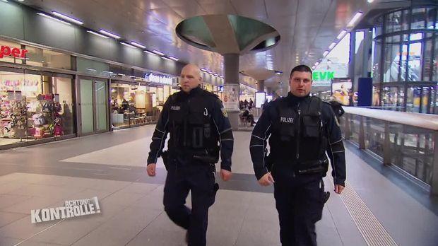 Achtung Kontrolle - Achtung Kontrolle! - Thema U.a.: Schlägerei Am Bahnhof - Bundespolizei Berlin