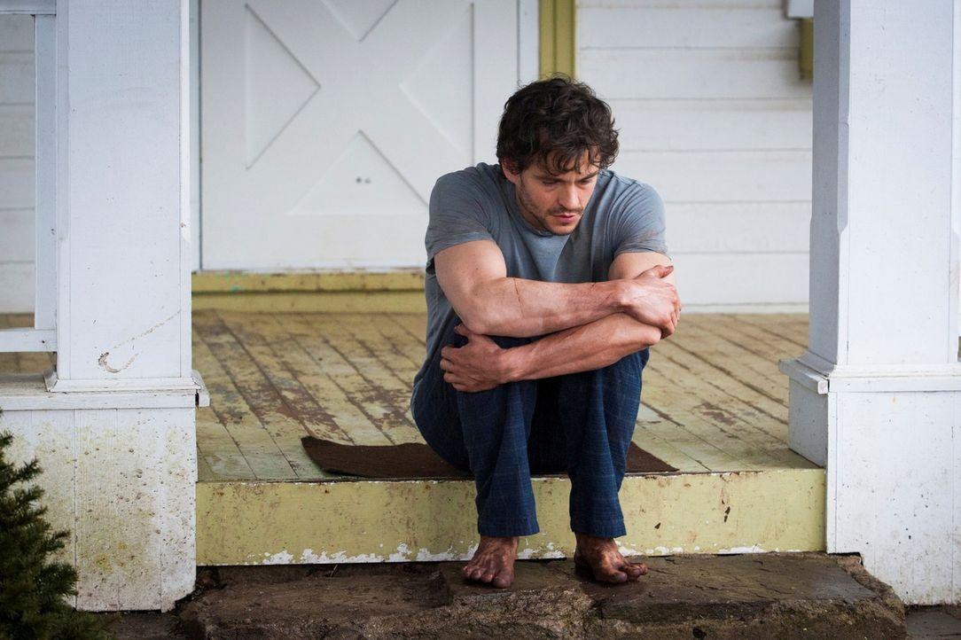 Nach seiner Rückkehr aus Minnesota kann sich Will (Hugh Dancy) an nichts mehr erinnern und kann sich nicht erklären, warum er schlammverkrustete F... - Bildquelle: Brooke Palmer 2013 NBCUniversal Media, LLC