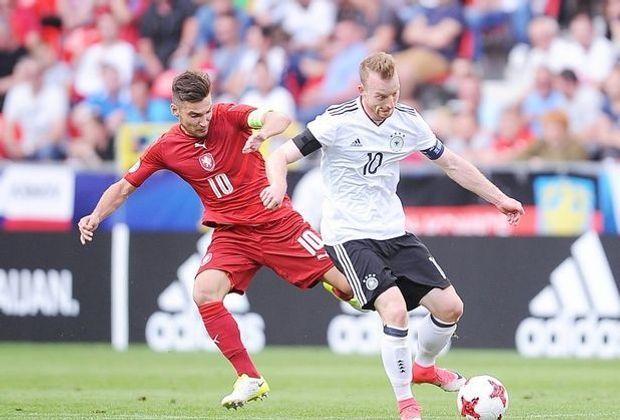 Elfmeterschütze der DFB-U21: Maximilian Arnold (r.)