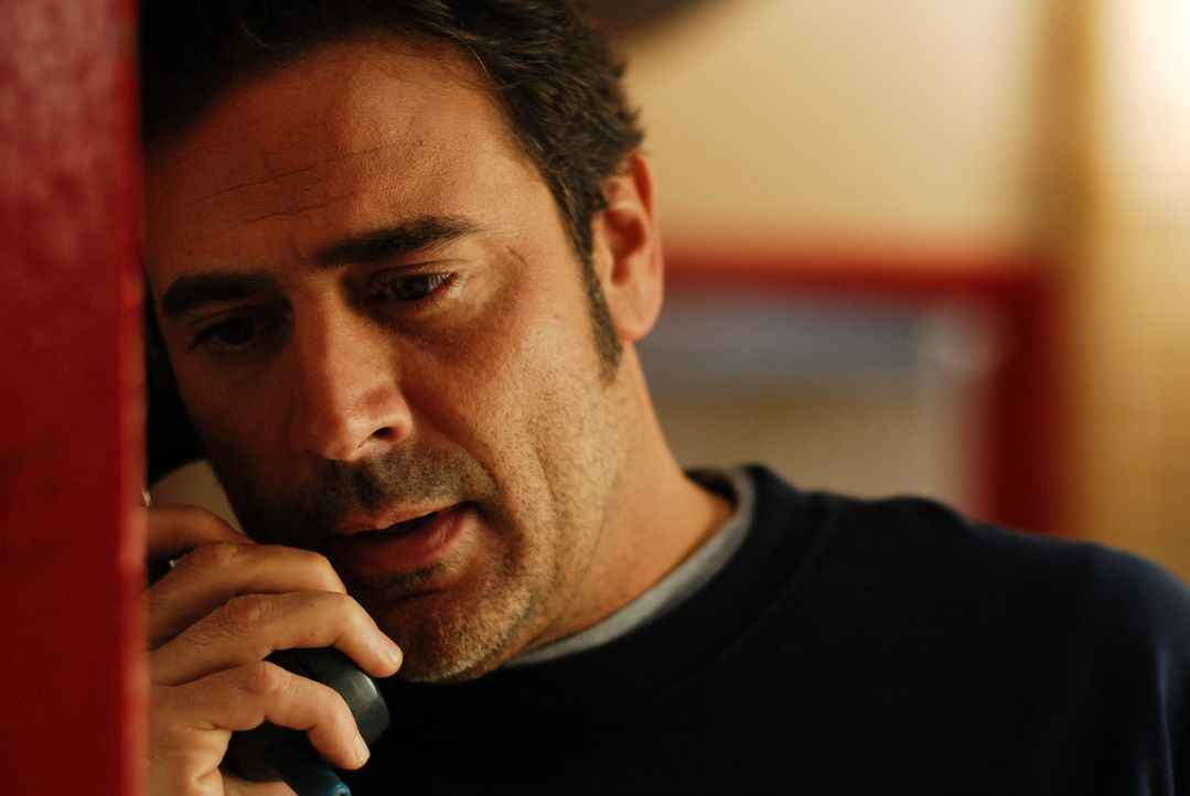 Emma gibt im Radio Beziehungstipps. Unter anderem auch Sofia, die sich daraufhin von ihrem Freund Patrick (Jeffrey Dean Morgan) trennt. Dieser begin... - Bildquelle: 2008 Accidental Husband Intermediary, Inc. All Rights Reserved.