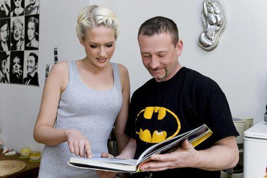 Die Promi-Heimwerker - Model Sarah Knappik (l.) will in ihrer ersten eigenen...