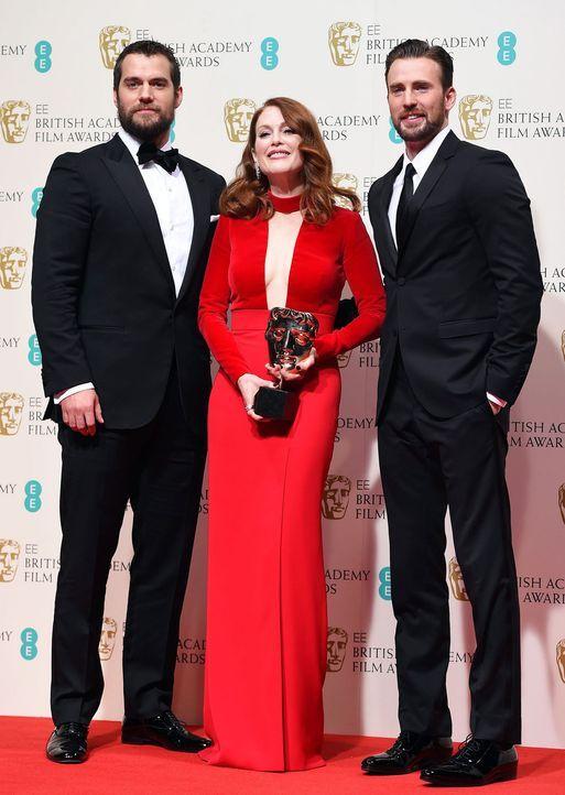 BAFTA-Julianne-Moore-Henry-Cavill-Chris-Evans-15-02-08-dpa - Bildquelle: dpa