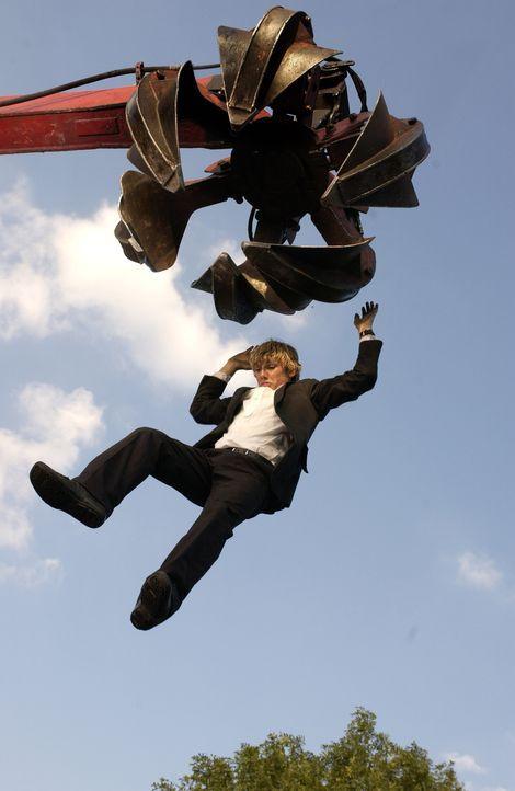 Steil geht's bergab:  Alex (Alex Pettyfer) ... - Bildquelle: Liam Daniel Samuelsons / IoM Film.