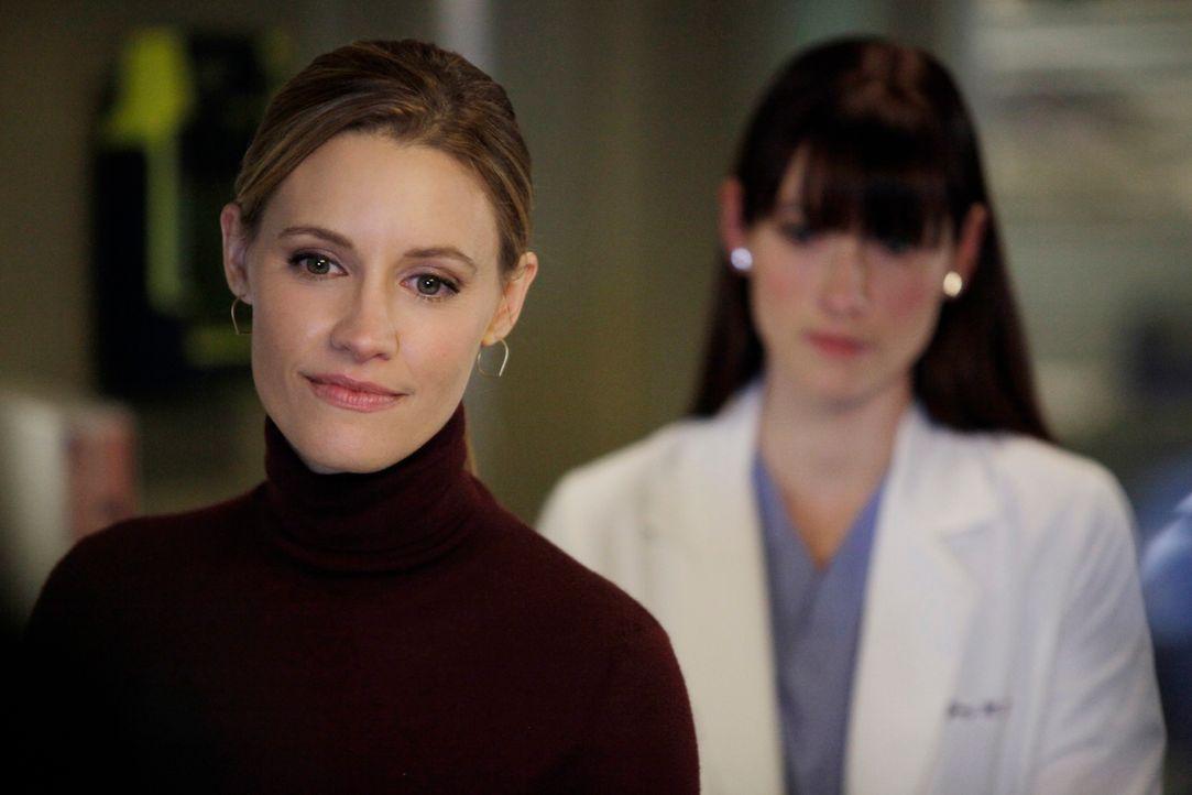 Während sich Addison mitten in einem Streit zwischen Sam und Jake befindet, hoffen Lexie (Chyler Leigh, r.) und Charlotte (KaDee Strickland, l.), d... - Bildquelle: ABC Studios