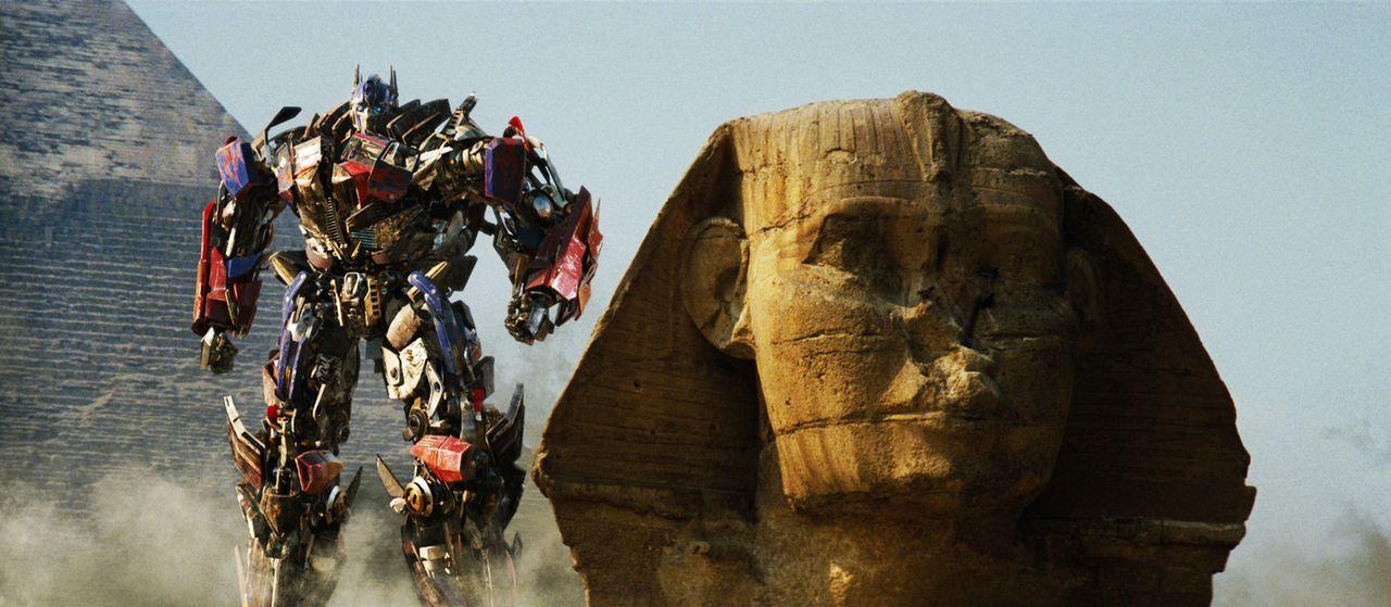 Von den Toten auferstanden zeigt Optimus Prime (Bild) den Decepticons, wo der Hammer hängt ... - Bildquelle: MMIX DW STUDIOS L.L.C. and PARAMOUNT PICTURES CORPORATION. All Rights Reserved.